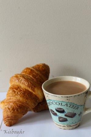 forrócsoki és croissant, hogy jól induljon a nap :)