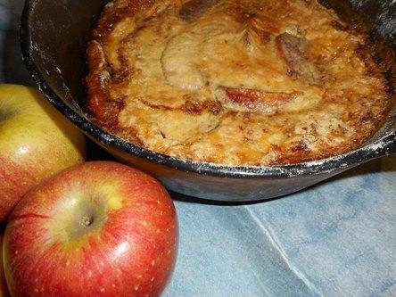 karamellizált fahéjas alma rejtőzik a töltelékben