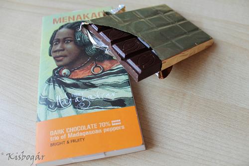 Menakao chocolate bars