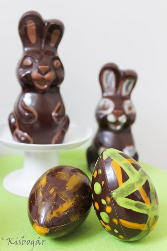 hollow easter bunnies with egg